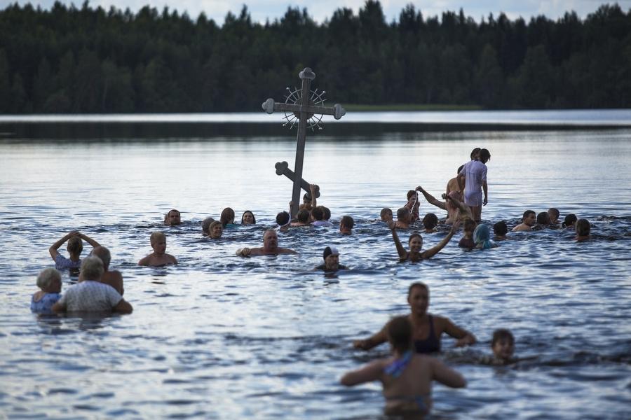 Паломническая поездка в Тихвинский монастырь. Дымское озеро ...